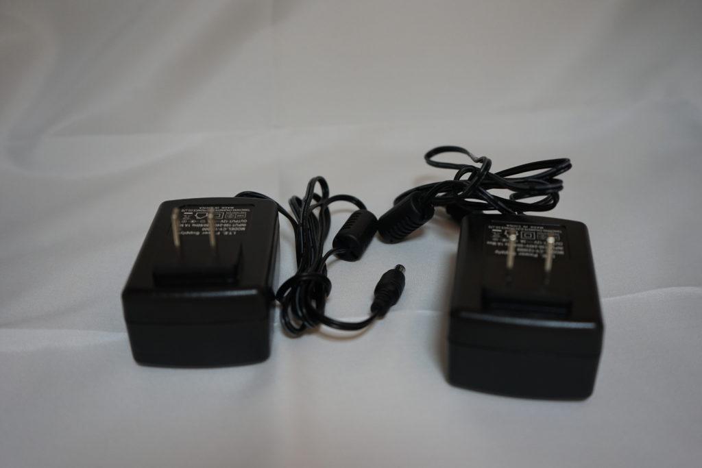 フィギュア台の電源アダプター